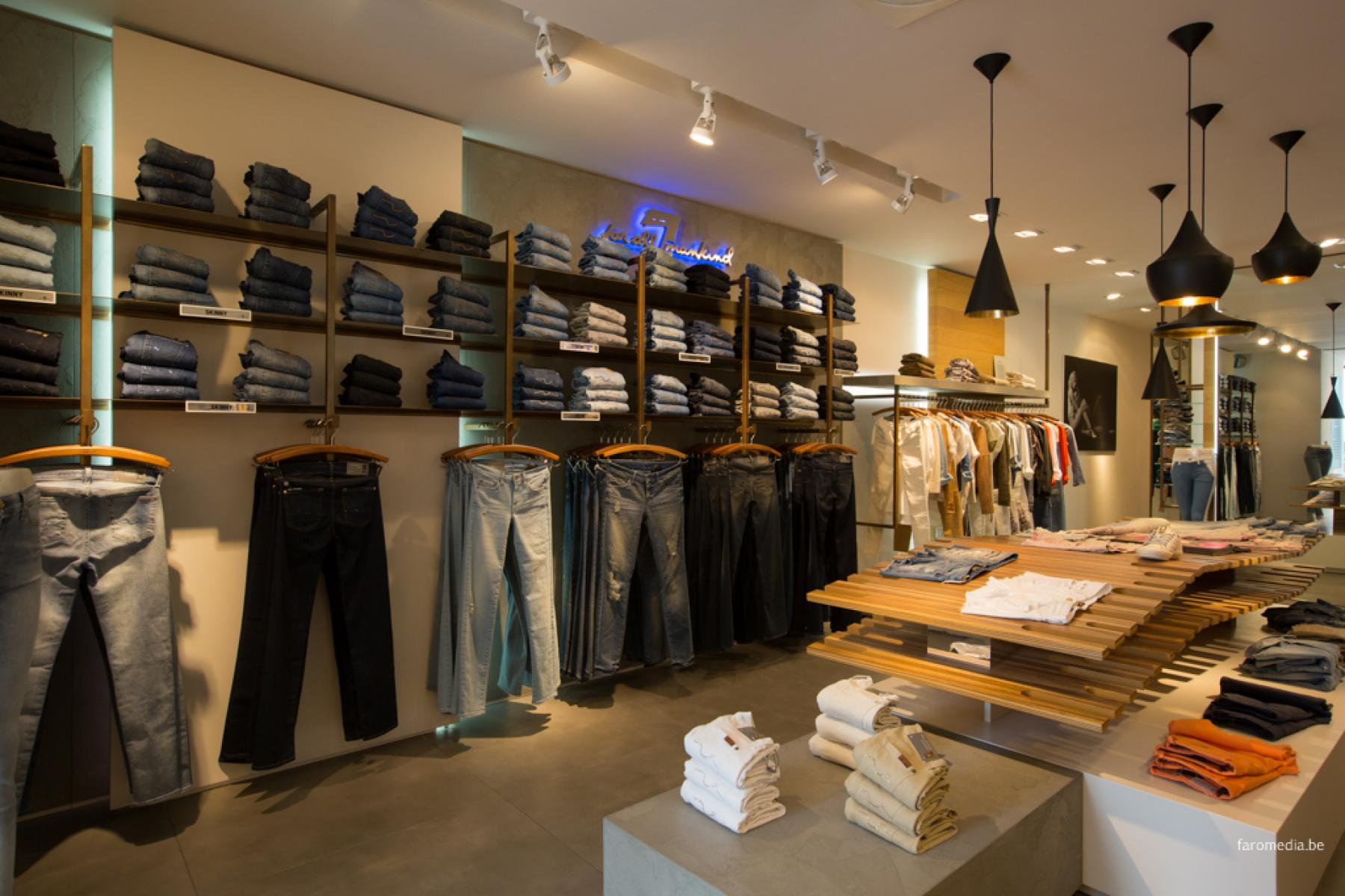 Visit_Nieuwpoort - 7 for all Mankind